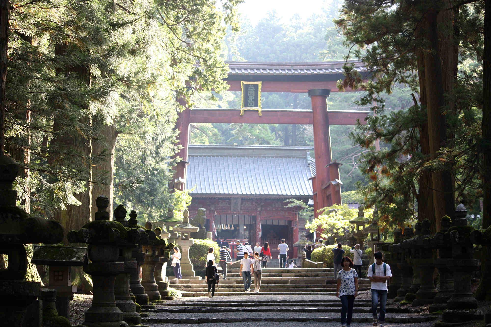 木造日本最大の赤鳥居