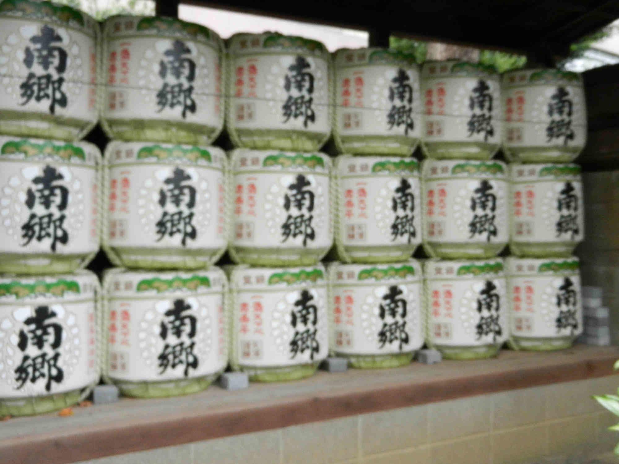 関東松尾神社の酒樽