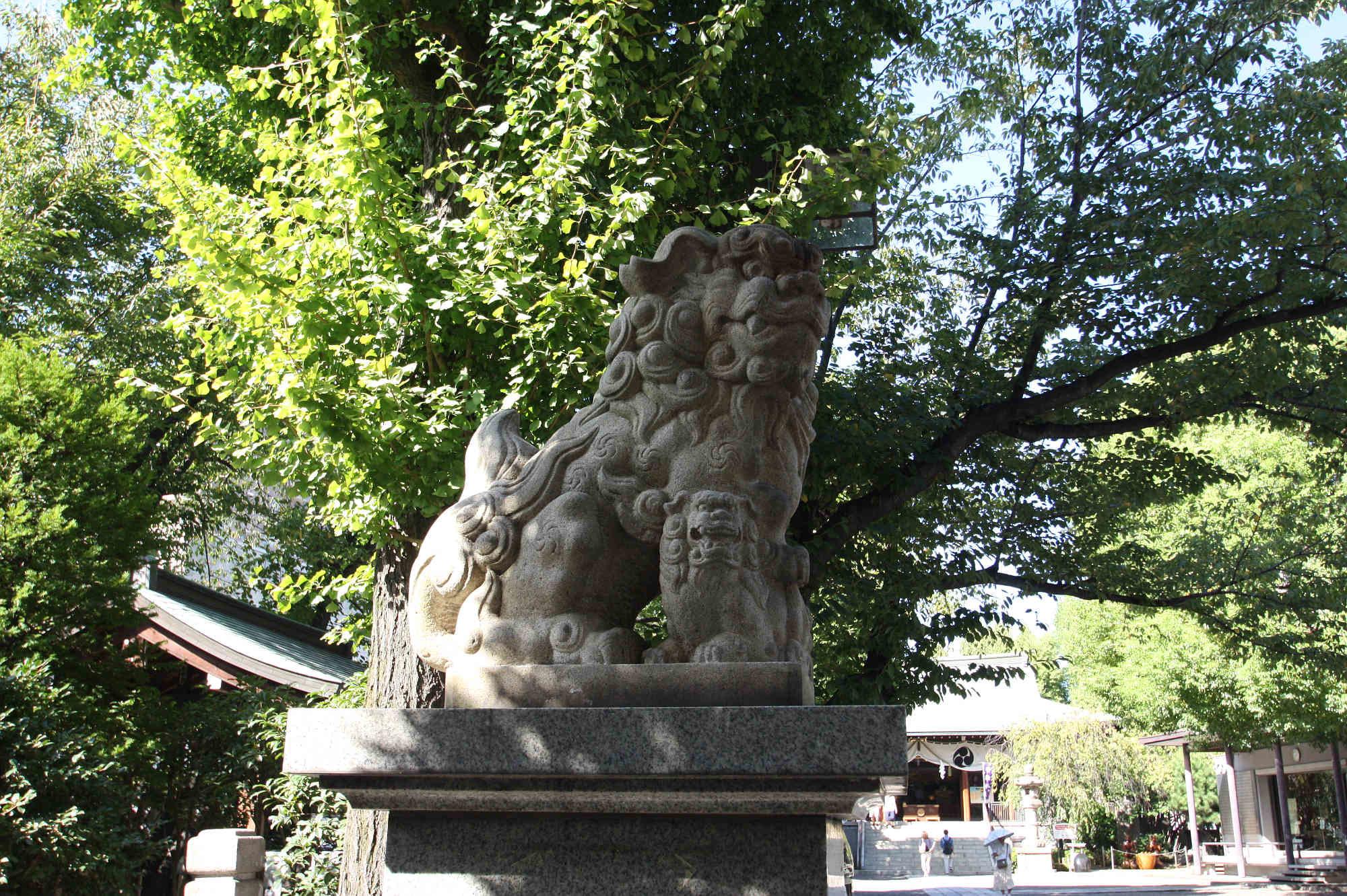 亀戸香取神社 右の狛犬様