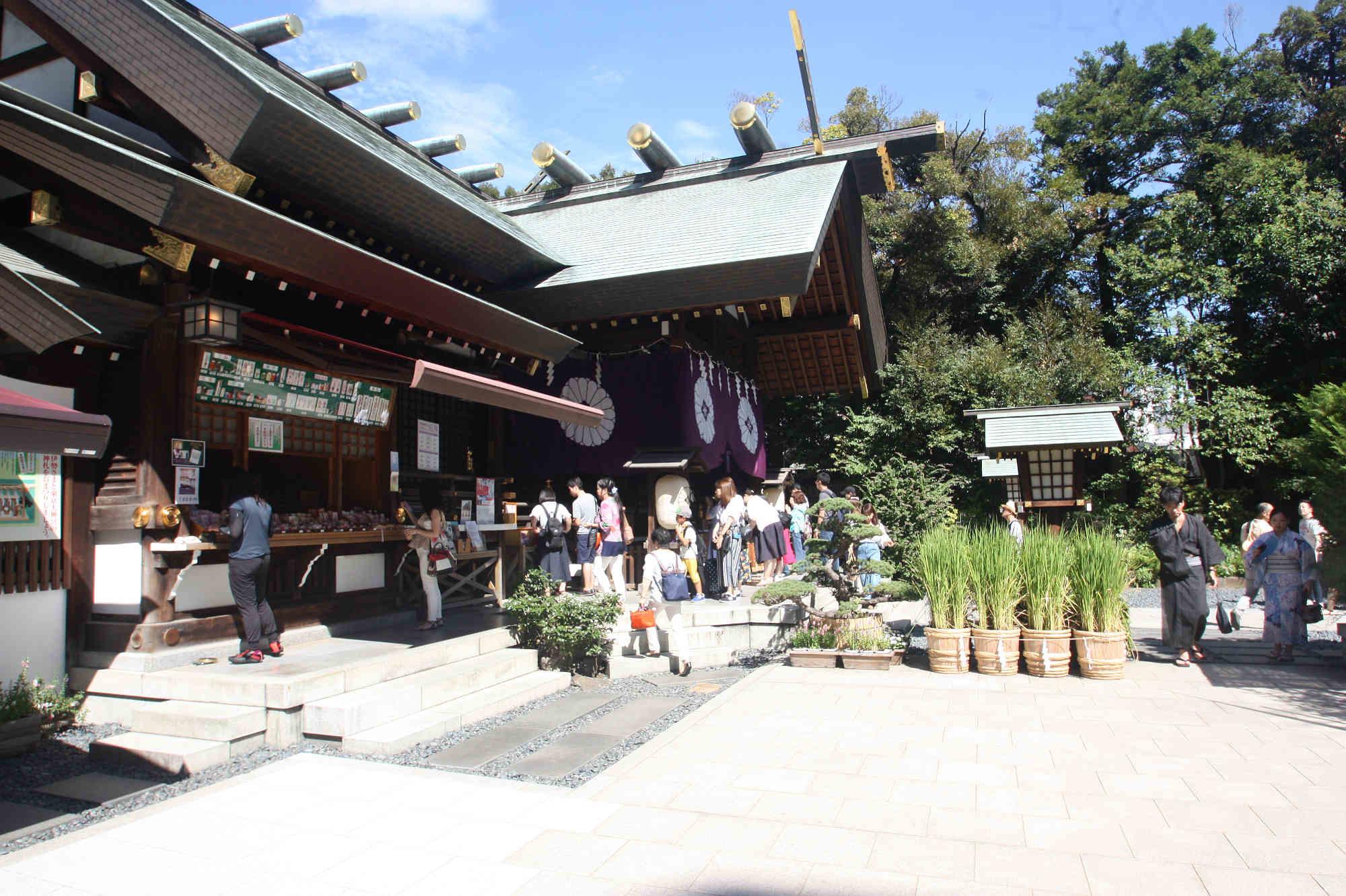 東京大神宮の境内