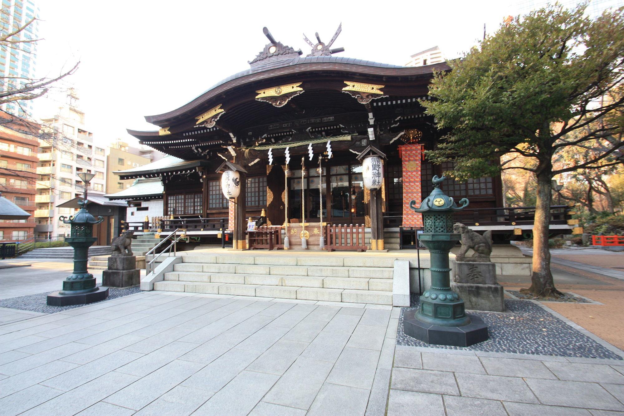十二社熊野神社の拝殿