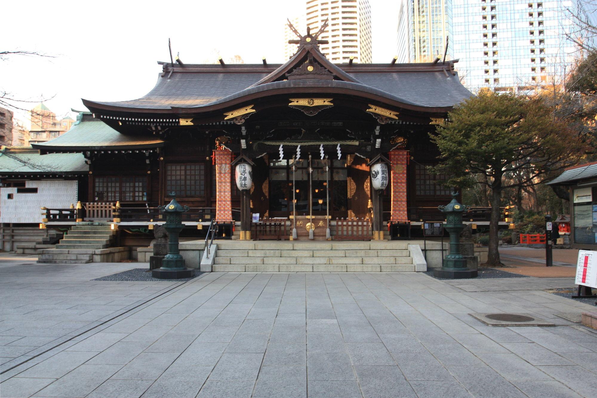 新宿十二社熊野神社の社殿(拝殿)