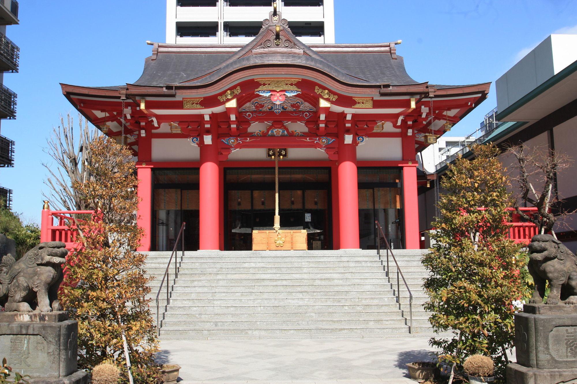 成子天神社の社殿(拝殿)