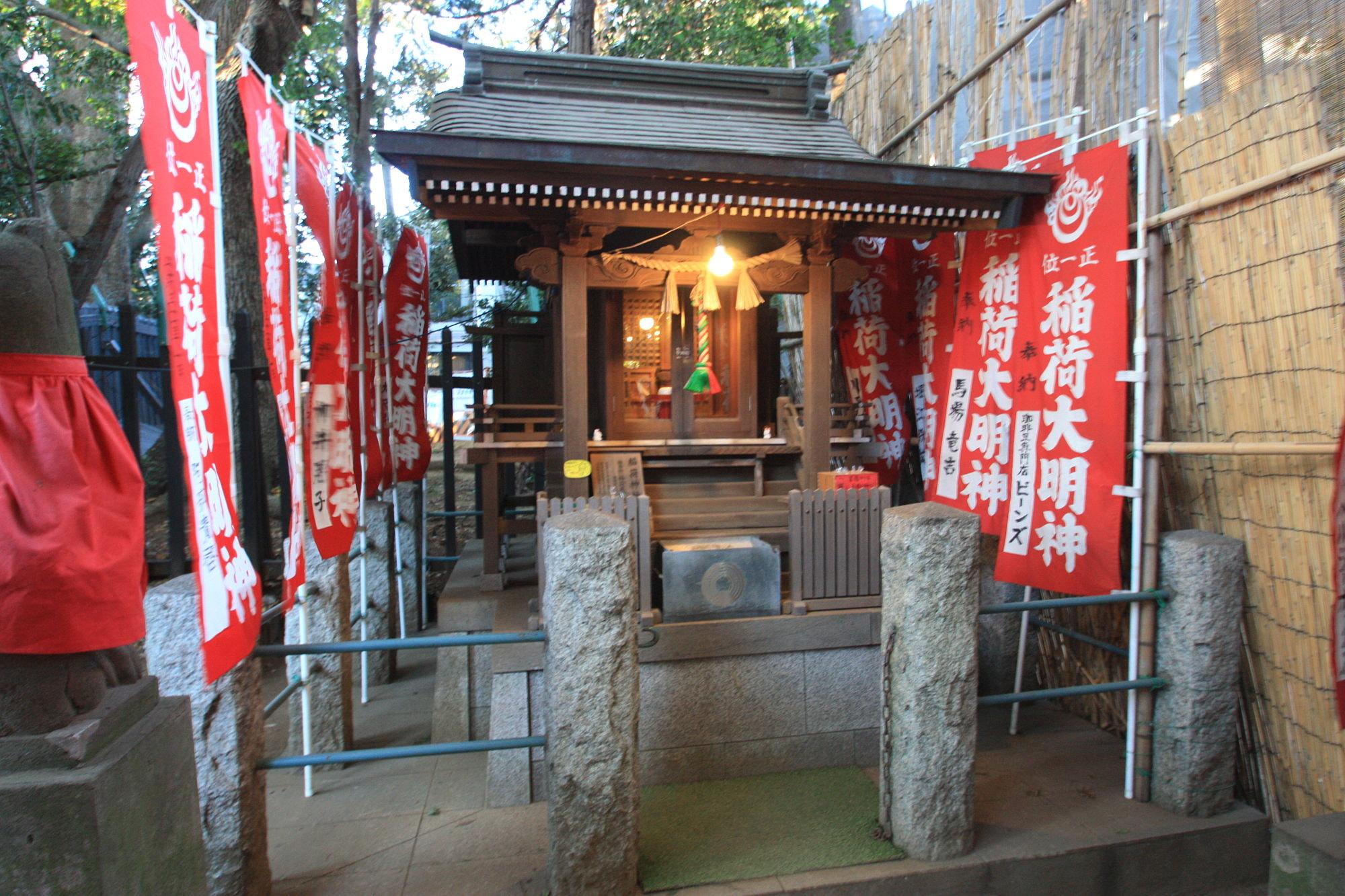 稲荷神社の祠