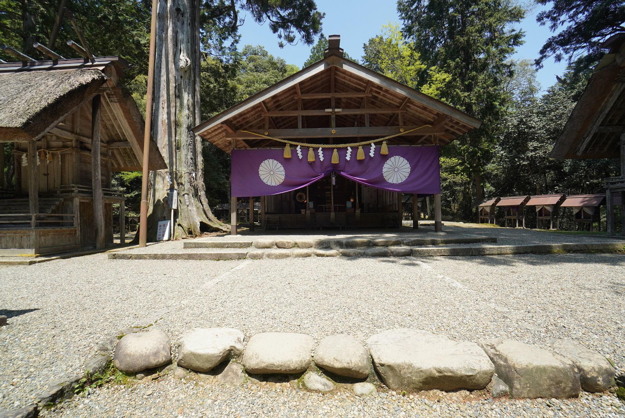 皇大神社の本殿(拝殿)