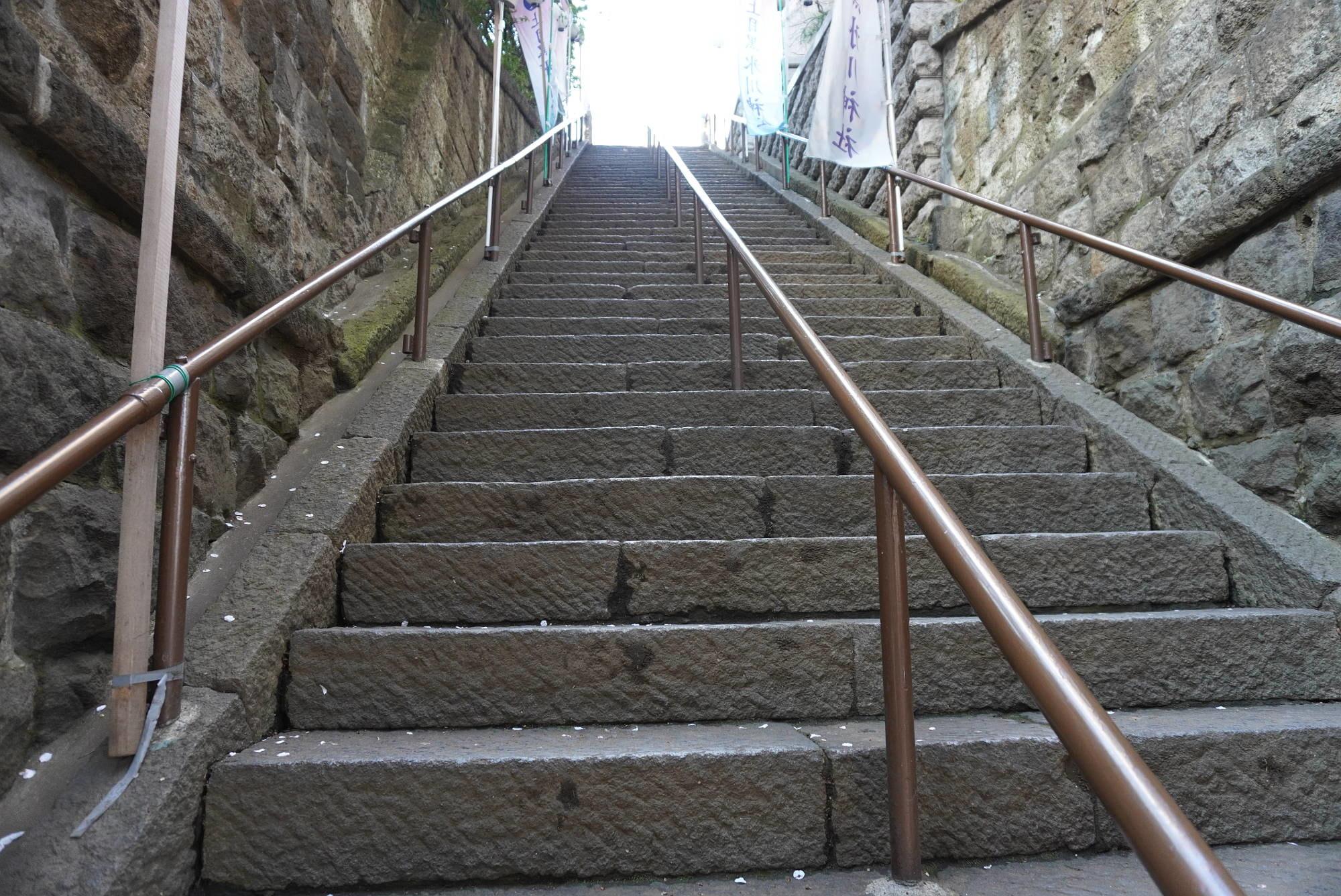上目黒氷川神社の階段