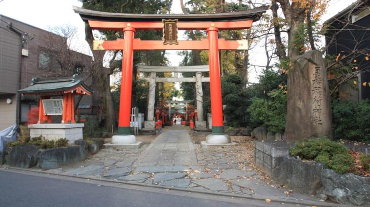 馬橋稲荷神社~双龍鳥居と三ツ鳥居でご利益アップ