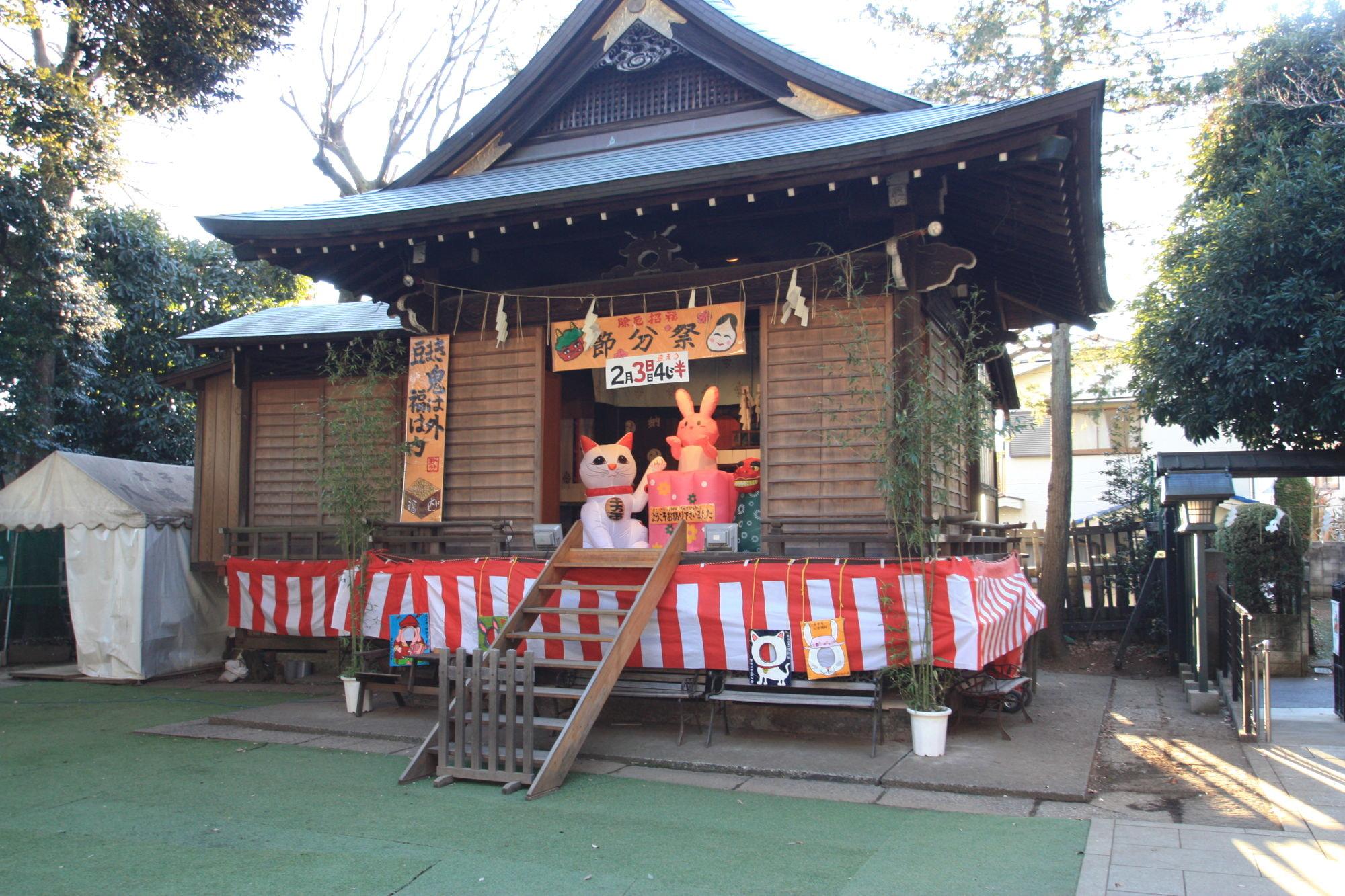 太子堂八幡神社の神楽殿
