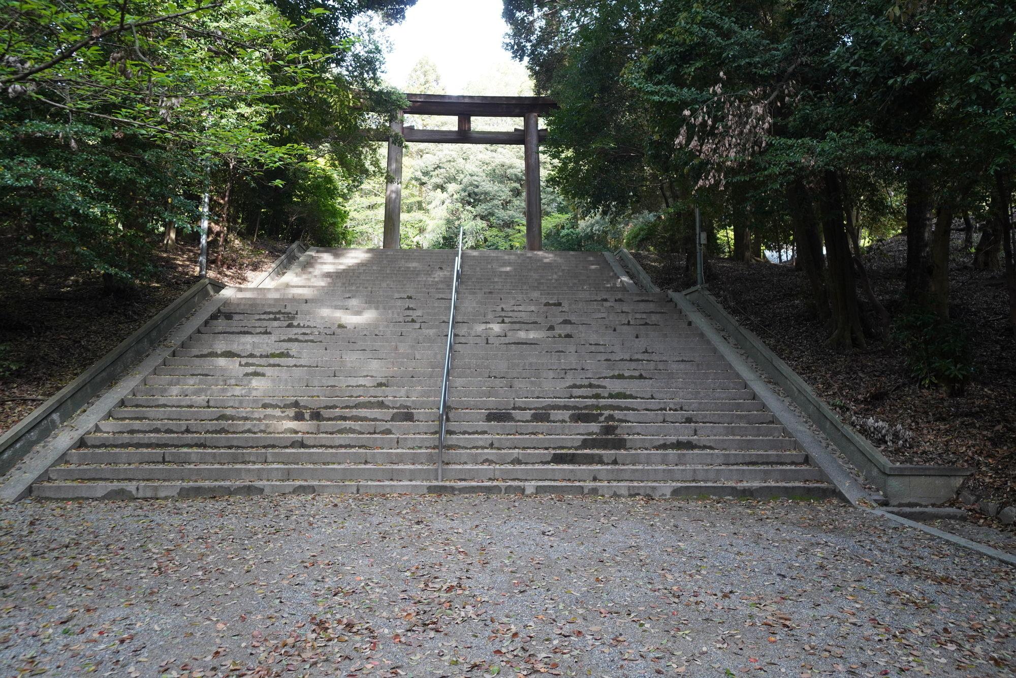 近江神宮「二の鳥居」