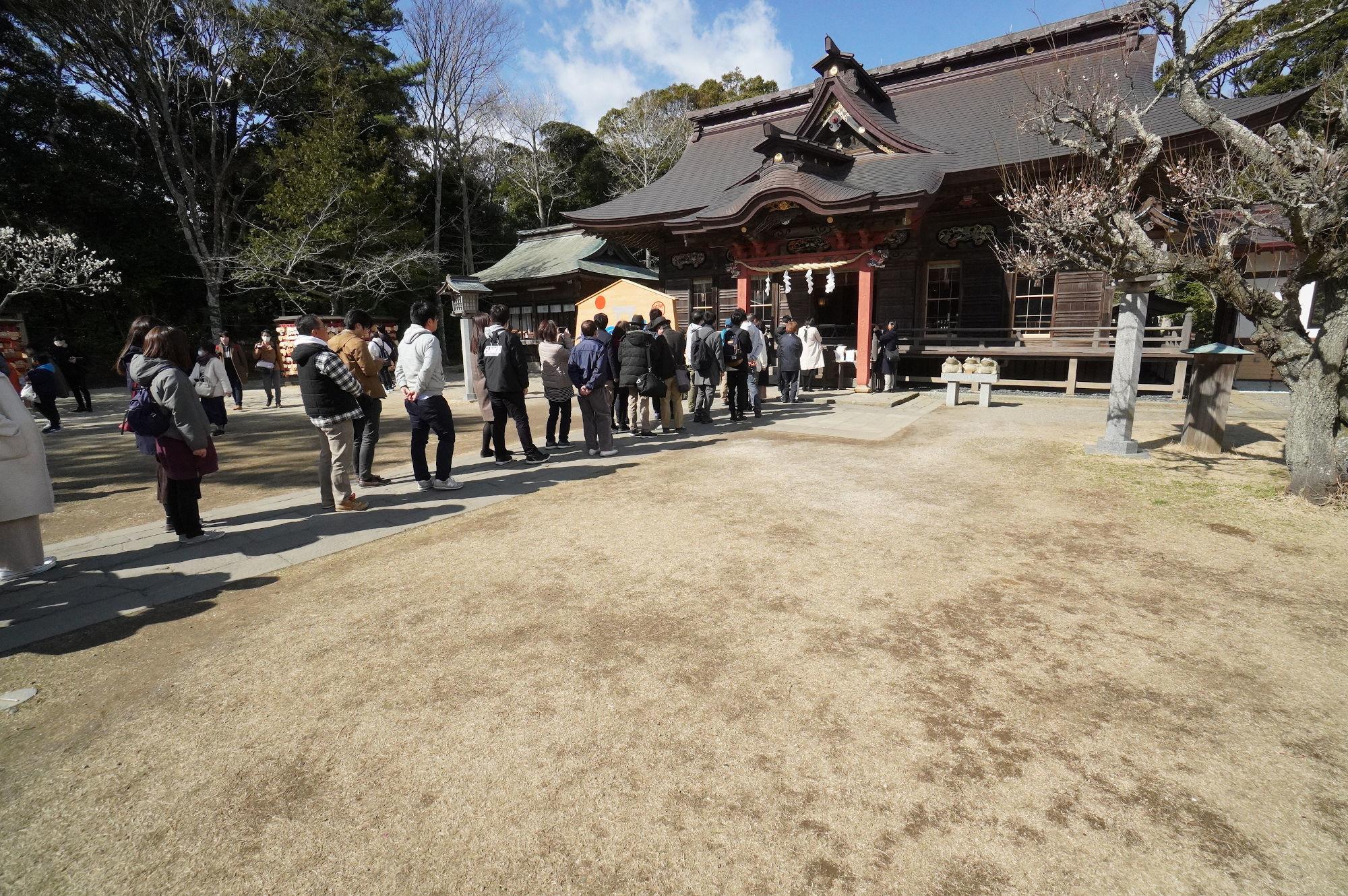 大洗磯前神社の拝殿前