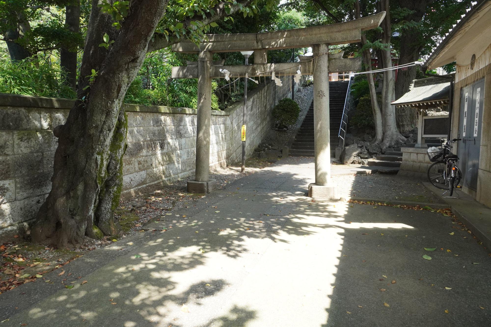 田端八幡神社の鳥居2つ目